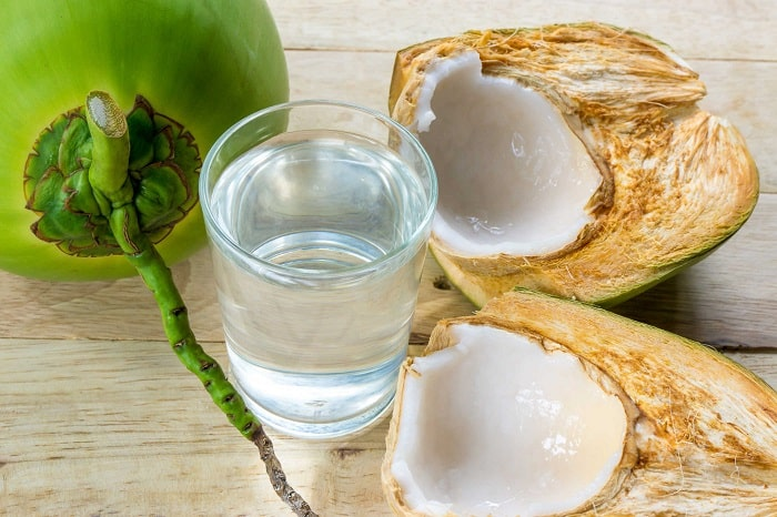 Nước dừa chứa nhiều hàm lượng dinh dưỡng tốt cho sức khỏe sanh mổ uống nước dừa được không