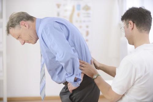 Bạn nên đến cơ sở chuyên khoa nếu tình trạng đau nhức kéo dài