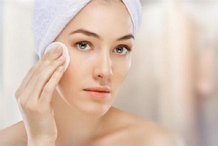 Giữ da sạch sẽ là yếu tố quan trọng giúp trị mụn khi mang thai