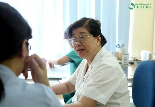 Đi khám để được chẩn đoán chính xác và chữa trị triệt để bệnh viêm cơ mạn tính