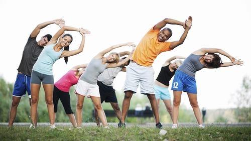 Vận động nhẹ nhàng hàng ngày sau mổ giúp cải thiện tình trạng bệnh