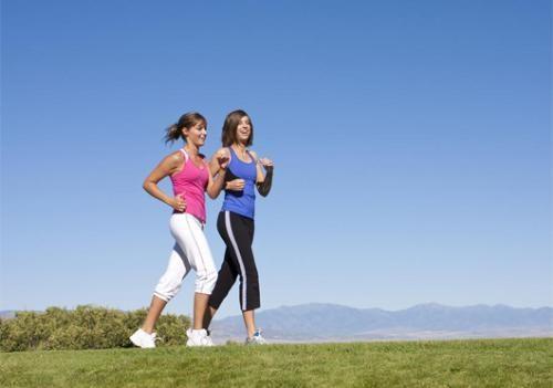 Đi bộ mỗi ngày cũng tốt cho sức khỏe và hệ tiêu hóa