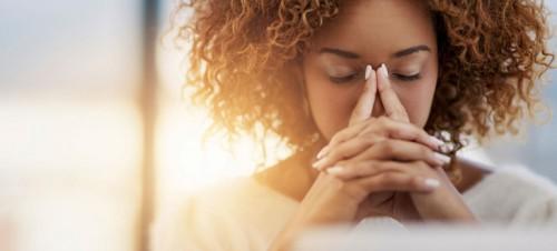 Căng thẳng, lo lắng kéo dài có thể là nguyên nhân khiến kinh nguyệt thất thường.