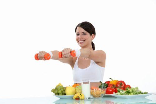 Để ngăn ngừa trào ngược axit dạ dày cần thay đổi chế độ ăn uống và giảm cân khoa học