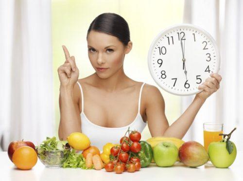 Người bệnh viêm loét hàn tá tràng không nên để bụng quá đói hoặc ăn quá no.