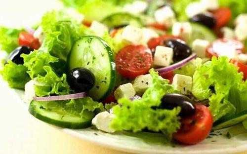 Nên ăn nhiều rau xanh trong ngày Tết