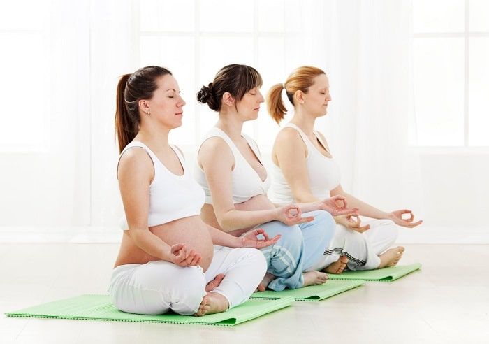 Mẹ bầu nên tập yoga rất tốt cho sức khỏe
