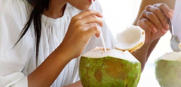 Mẹ bầu uống nước dừa giúp tăng nước ối, tăng cường hệ miễn dịch