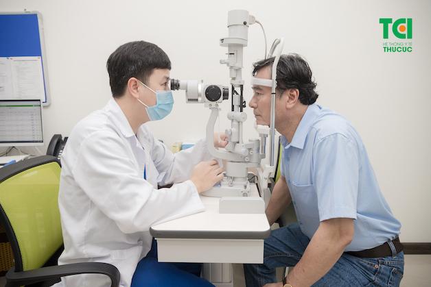 Trước khi phẫu thuật, người bệnh cần thực hiện khám tổng quát đầy đủ để bác sĩ có thể xác định chính xác mức độ của bệnh và đưa ra phương pháp phẫu thuật phù hợp, hiệu quả.