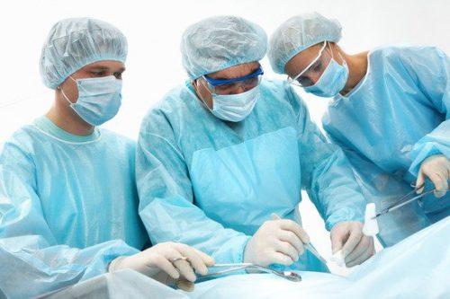 Người bệnh cần lựa chọn địa chỉ phẫu thuật uy tín để hạn chế biến chứng sau mổ