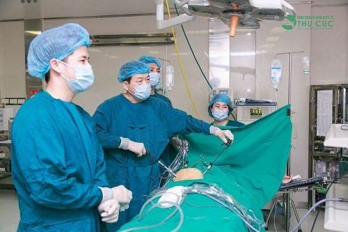 Người bệnh và người thân có thể tìm hiểu việc mổ ruột thừa được hưởng bảo hiểm không khi đến bệnh viện thăm khám.