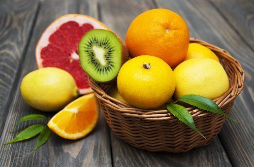 Người bệnh sau mổ ruột thừa nên ăn những trái cây tươi, ngon như cam, bưởi, nho...