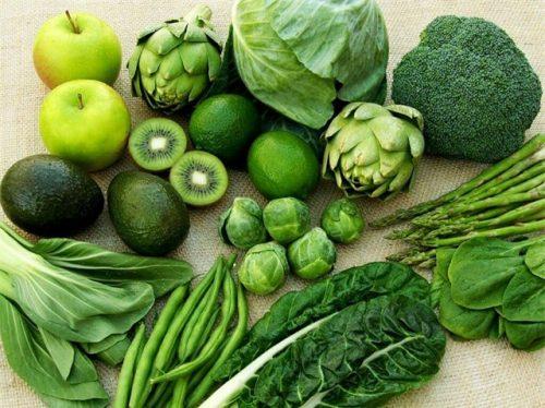 Mổ thoát vị bẹn nên ăn nhiều rau xanh và hoa quả tươi