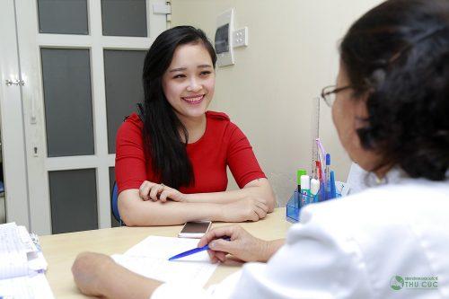 Chị em nên thăm khám và điều trị nhân xơ tử cung theo chỉ định từ bác sĩ (minh họa)