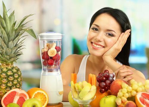 Người bệnh nên bổ sung những loại trái cây tốt cho sức khỏe như dứa, cam, quýt, nho...