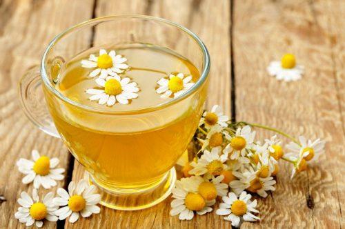 Trà hoa cúc tốt cho tiêu hóa, giúp đẩy lùi triệu chứng đầy hơi, khó tiêu