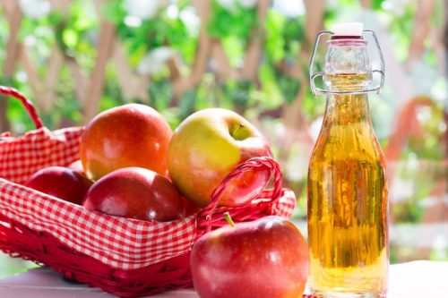 Giấm rượu táo rất thơm ngon, dễ uống và quan trọng nó giúp đẩy lùi hiệu quả chứng chướng bụng, đầy hơi