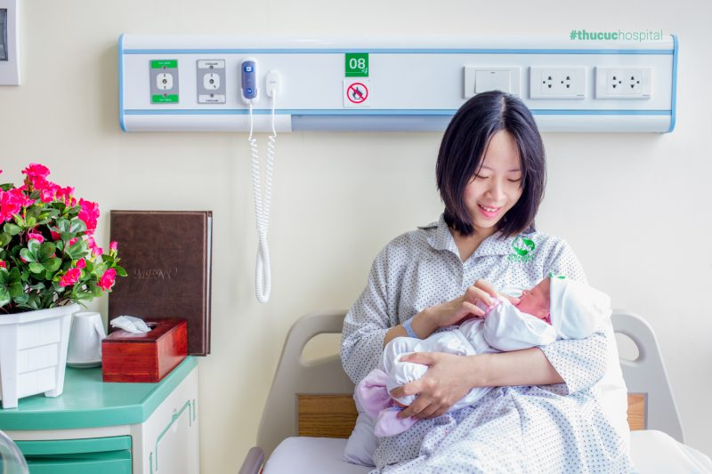 Lao động nữ sinh con sẽ được hưởng chế độ thai sản theo quy định của pháp luật hiện hành