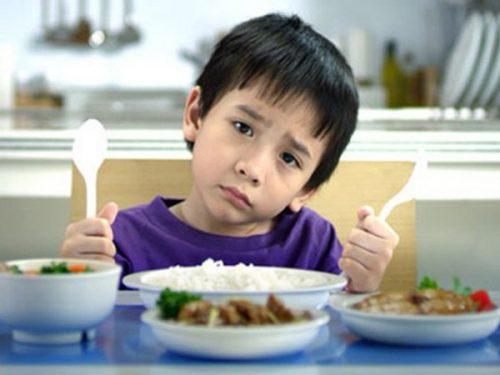 Trẻ thiếu chất dinh dưỡng, ít vận động cũng có thể bị loãng xương