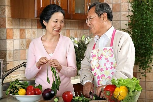 Để phòng bệnh trĩ cần tăng cường bổ sung chất xơ, rau củ quả trong chế độ ăn uống hàng ngày