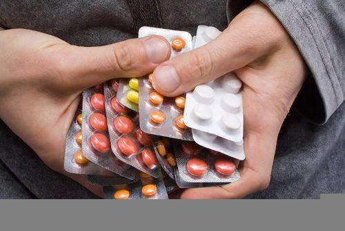 Ngoài ra, việc lạm dụng thuốc trong thời gian dài cũng gây viêm loét dạ dày tá tràng