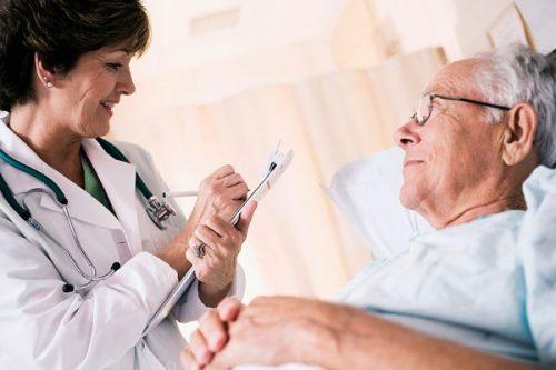 Xuất huyết tiêu hóa ở người cao tuổi còn nguy hiểm hơn rất nhiều so với người trẻ.