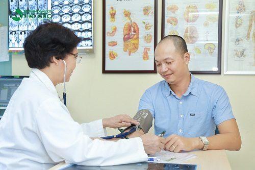 Người bệnh cần đi khám và điều trị ngay khi có dấu hiệu xuất huyết tiêu hóa