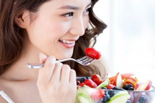 Để phòng bệnh trào ngược dạ dày thực quản, người bệnh cần thay đổi chế độ ăn uống và sinh hoạt hàng ngày