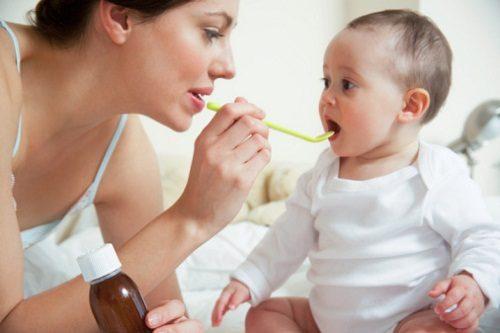 Sử dụng kháng sinh trong thời gian dài cũng khiến trẻ dễ bị rối loạn tiêu hóa