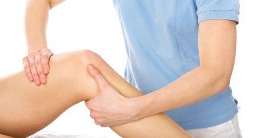 Bạn nên đến cơ sở chuyên khoa để thăm khám và điều trị viêm cơ