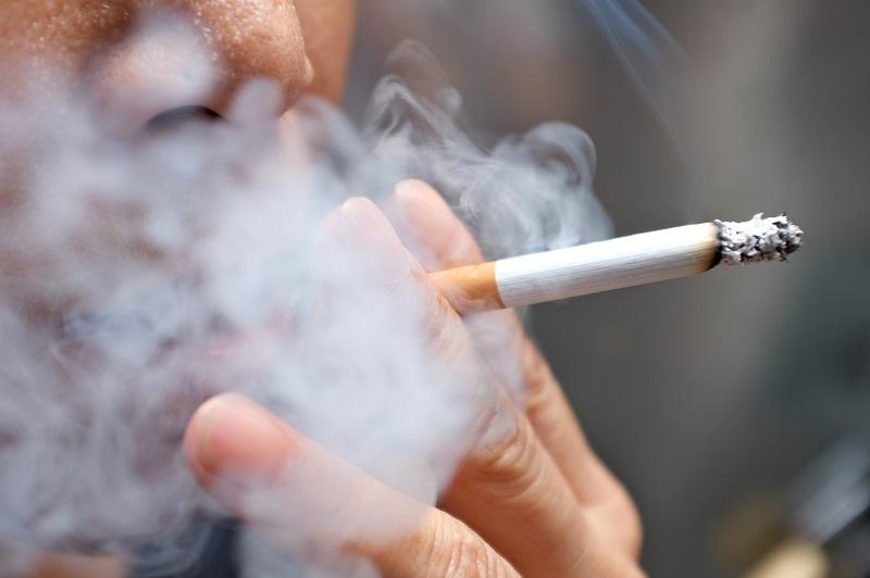 Hút thuốc lá nhiều và trong thời gian dài sẽ cản trở khả năng thụ thai của nam giới.