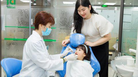 Nhổ răng sữa cho bé an toàn và đúng cách