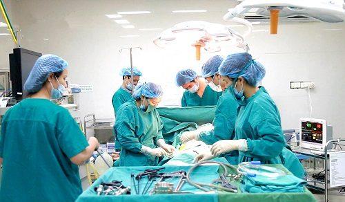 Bệnh viện Thu Cúc trang bị thống trang thiết bị hiện đại, máy móc tiên tiến cùng đội ngũ bác sĩ có trình độ chuyên môn cao, giàu kinh nghiệm