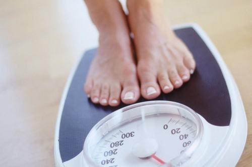 Duy trì cân nặng hợp lý cũng giúp ngừa trào ngược dạ dày hiệu quả