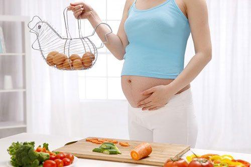 Phụ nữ mang thai nên ăn gì tốt cho mẹ và bé?