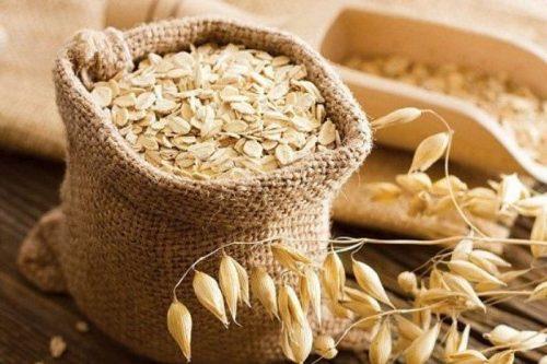 Các mẹ nên ăn các loại ngũ cốc, bánh mỳ, bột yến mạch và gạo vào thực đơn hằng ngày