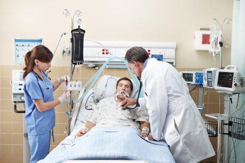 Bệnh nhân xuất huyết tiêu hóa cần được cấp cứu kịp thời và chăm sóc chu đáo, đúng cách để nhanh chóng hồi phục sức khỏe.