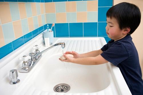 Cần đảm bảo vệ sinh trong ăn uống và sinh hoạt để tránh vi khuẩn gây rối loạn tiêu hóa