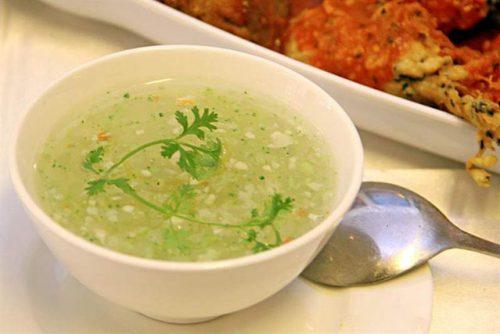 Người bệnh sau cắt polyp dạ dày nên ăn những thức ăn mềm, lỏng, dẽ tiêu hóa như cháo, súp