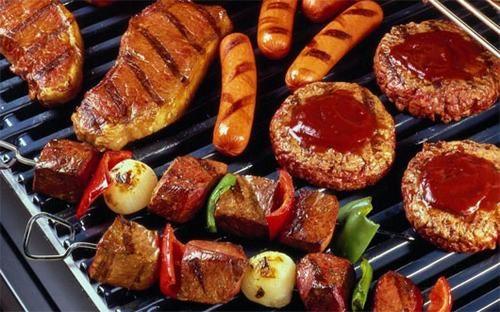 Người bệnh sau mổ trĩ cần kiêng những thực phẩm cay, nóng, chế biến sẵn...