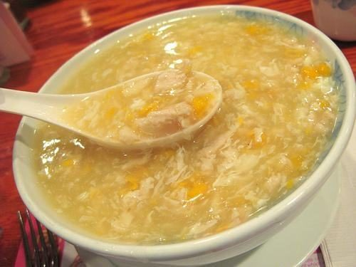 Người bệnh sau mổ trĩ cần ăn những thực phẩm mềm, lỏng như cháo, súp...