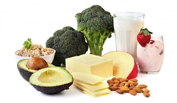 Phụ nữ sau sinh nên thường xuyên ăn rau xanh và các thực phẩm giàu vitamin