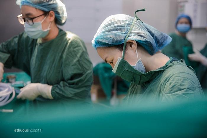 Sự chuyên nghiệp của các bác sĩ phần nào giúp chị Hương an tâm hơn để bước vào hành trình vượt cạn của mình