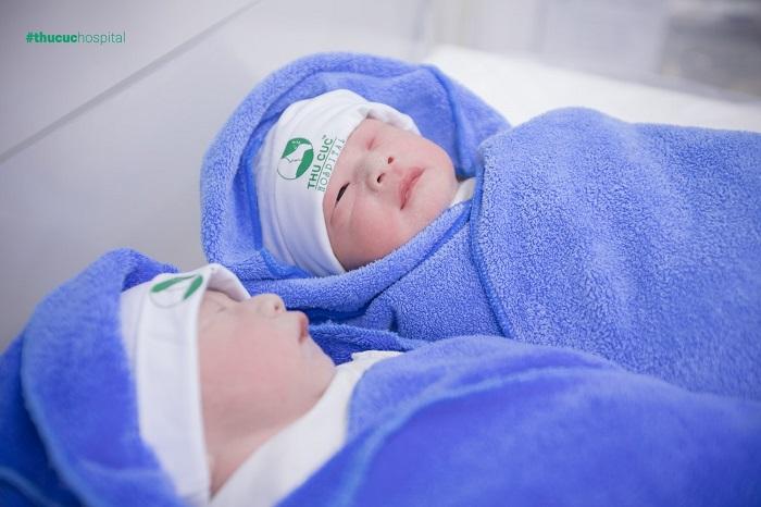hành trình chào đời của cặp song sinh IVF