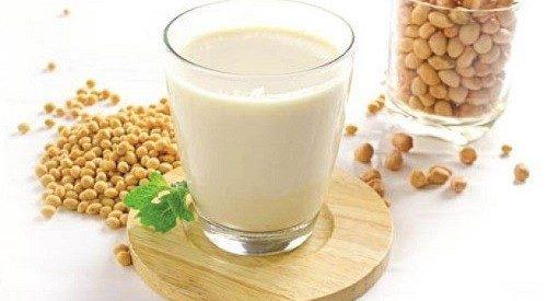 Sữa đậu nành chứa nhiều protein giúp tái tạo mô.