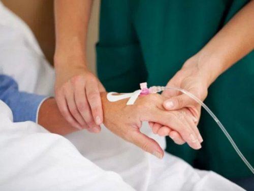 Sốt xuất huyết có nên truyền nước không là quan tâm của rất nhiều người.