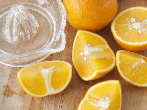 Nước cam giàu vitamin C giúp tăng cường sức đề kháng cho cơ thể.