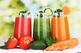 Nước ép rau củ quả giàu vitamin, chất xơ, khoáng chất rất tốt cho người bệnh sốt xuất huyết.
