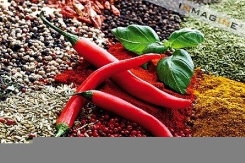 Thực phẩm cay nóng (gừng, ớt, mù tạt...) sẽ sản xuất rất nhiều nhiệt trong cơ thể, khiến người bị bệnh sốt xuất huyết thêm nặng.