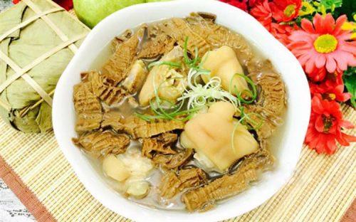 Các loại thực phẩm có nhiều chất xơ như măng rất dễ gây tắc ruột
